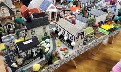 Maquette de village réalisée au crochet